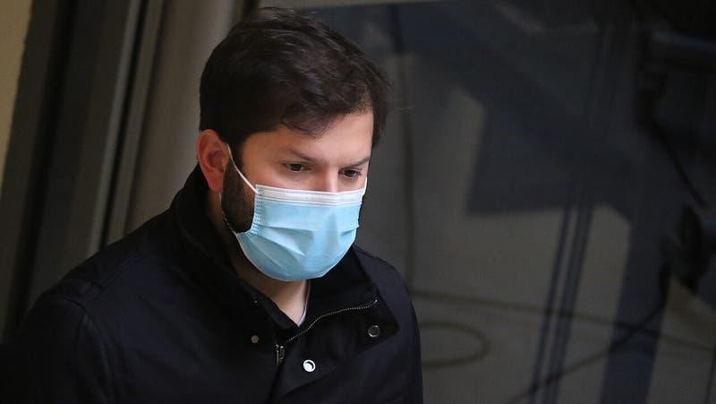 ¿Quién es la persona que agredió a Gabriel Boric en su visita al Penal Santiago 1?