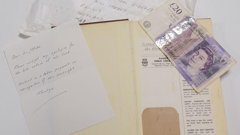 Devuelve libro a biblioteca tras 50 años de retraso: Envió nota de disculpas y multa simbólica