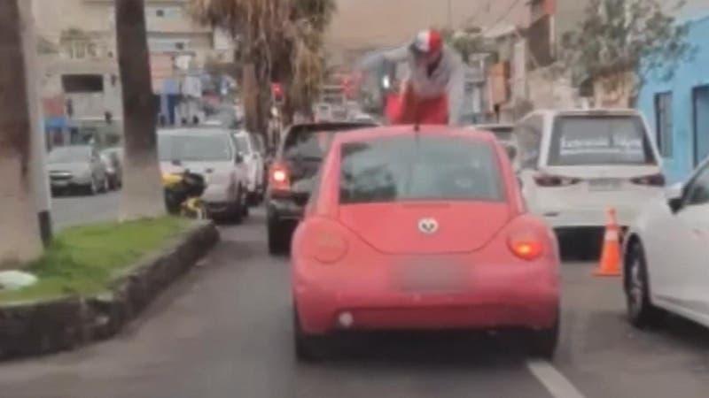 Violenta agresión en Arica: Hombre rompió a patadas el auto de su polola