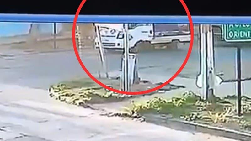 [VIDEO] Repartidor de gas fue atropellado en San Ramón: El conductor se dio a la fuga