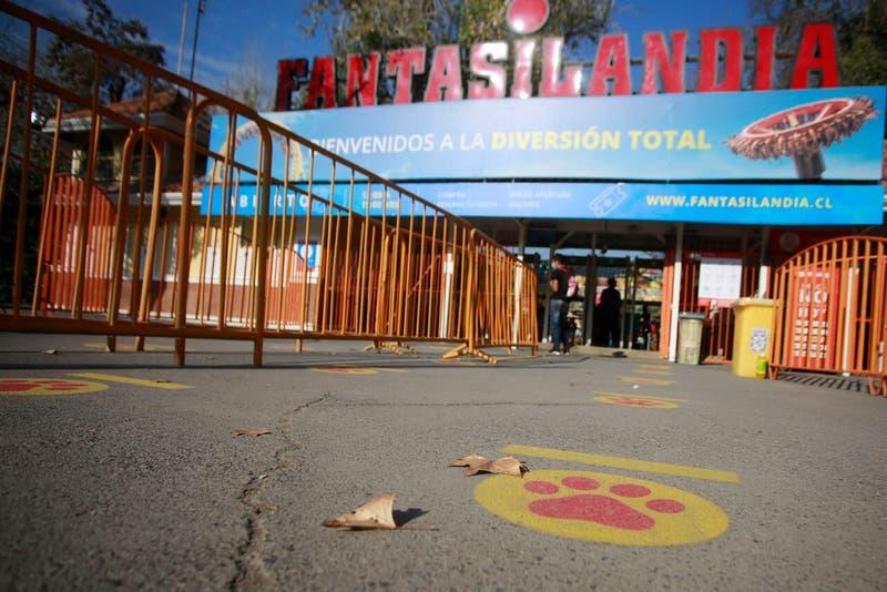 Violenta pelea se registra dentro de Fantasilandia: discusión habría comenzado por saltarse la fila