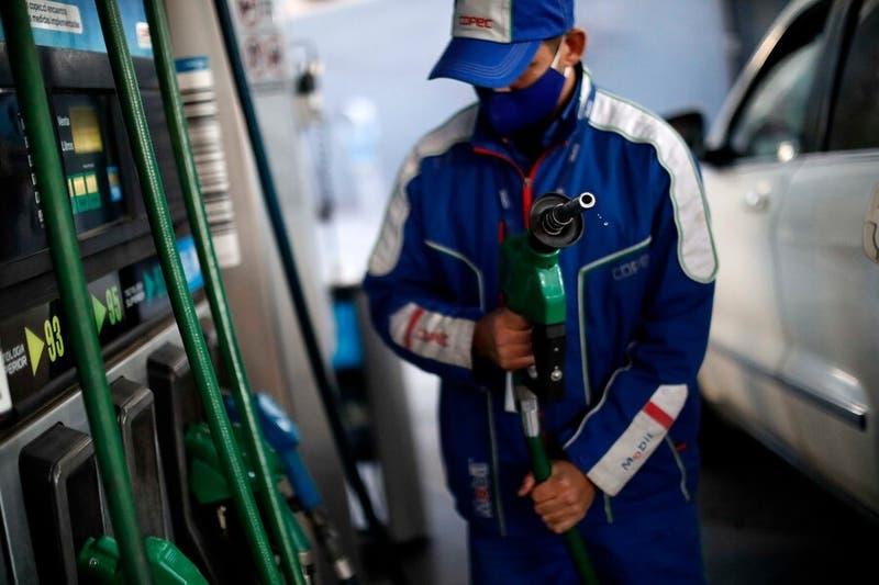 Gobierno anuncia modificaciones al Mepco y bencinas bajarían esta semana hasta $26 por litro