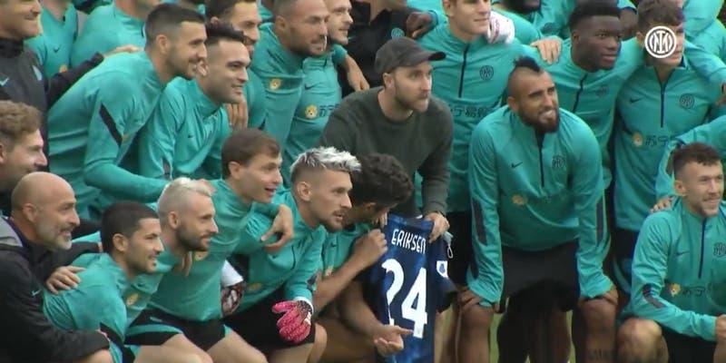 El emotivo reencuentro de Christian Eriksen con sus compañeros del Inter tras infarto en la Euro