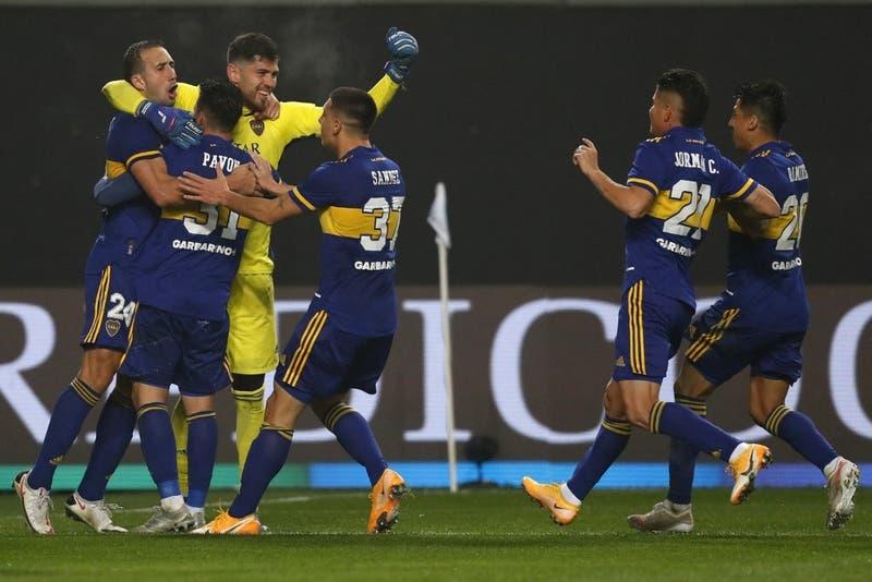 Boca vuelve a vencer a River por penales en el superclásico y avanza en la Copa Argentina