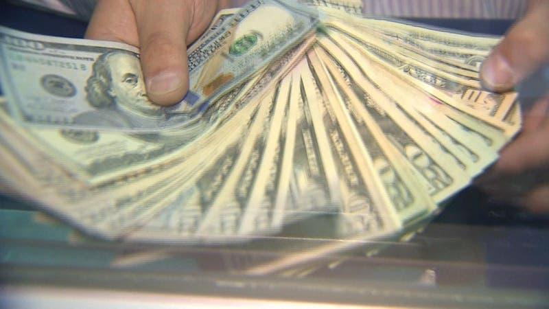 Alza del dólar: Qué productos subirán de precio