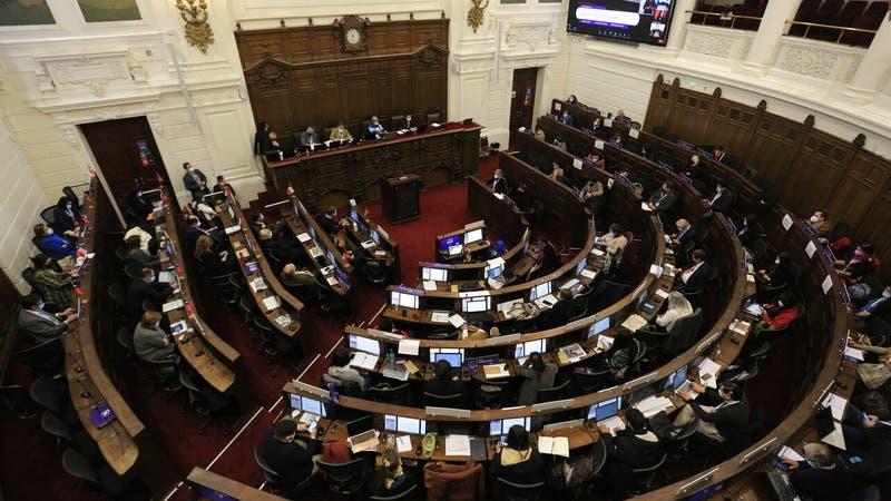 Zoom a votaciones de la Convención revela afinidad del Frente Amplio con representantes del PS