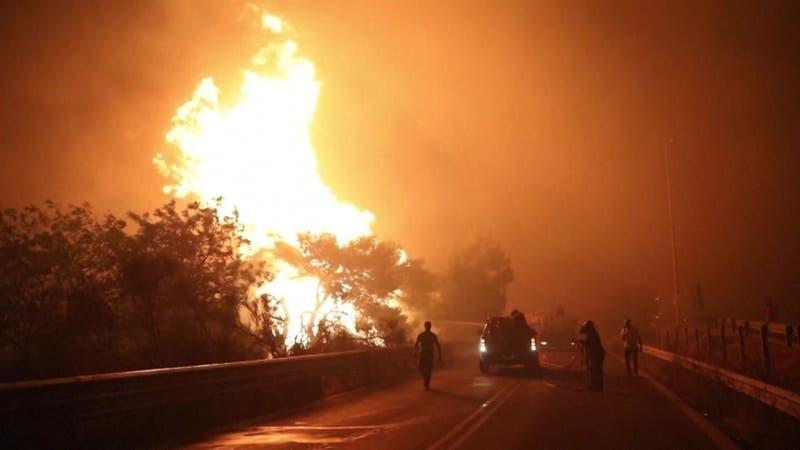 Un infierno sin tregua: Incendios sin control en Grecia y Turquía en medio de ola de calor