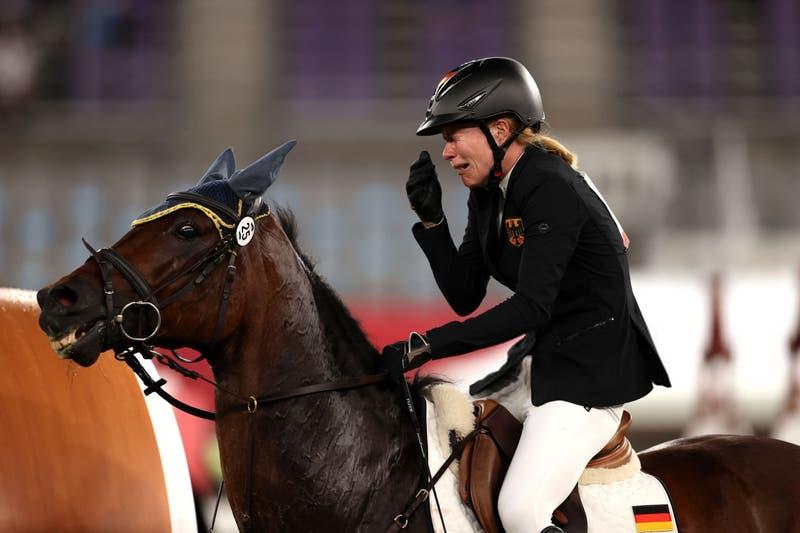 Actriz de Big Bang Theory quiere comprar el caballo que fue maltratado en los JJ.OO