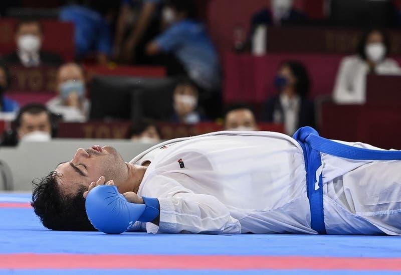 Descalifican a karateka por brutal patada: Ganador supo que se llevó el oro tras despertar