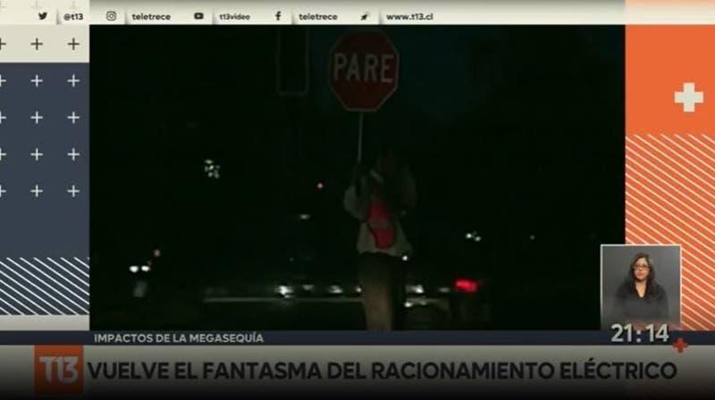 ¿Chile sin luz? Falta de lluvias hace regresar idea del racionamiento