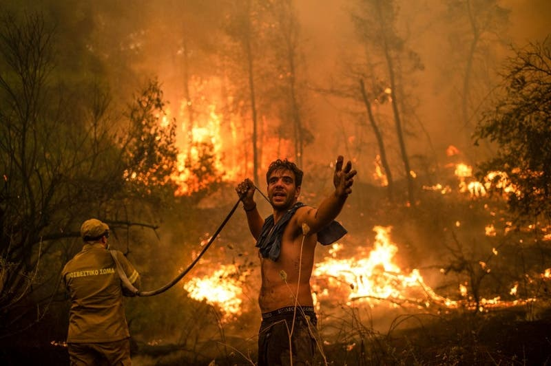 Las impactantes imágenes del incendio que afecta a Grecia