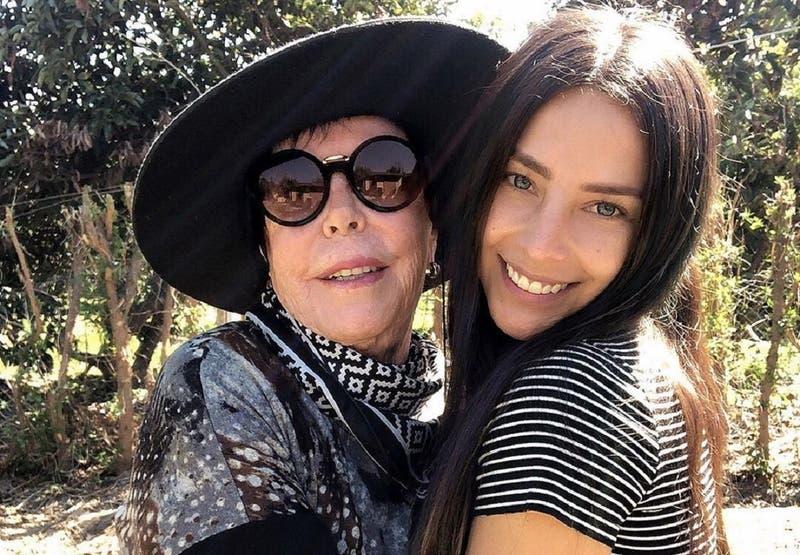 """""""Cuando se va el amor de tu vida"""": el mensaje de Daniela Castillo a su madre tras muerte de su papá"""
