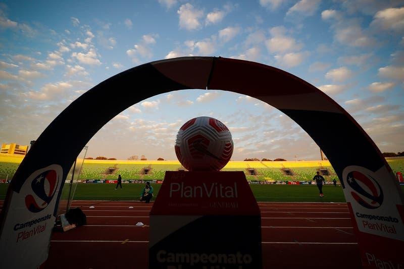 Estos son los estadios del fútbol chileno aprobados hasta ahora para recibir público