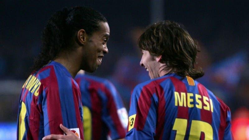"""Ronaldinho desea a Messi """"muchos momentos de alegría"""" en el PSG"""
