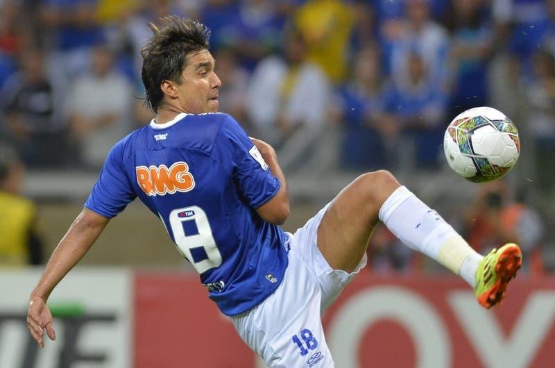 Moreno Martins no llega a Colo Colo y en Brasil apuntan al real motivo por el que sigue en Cruzeiro