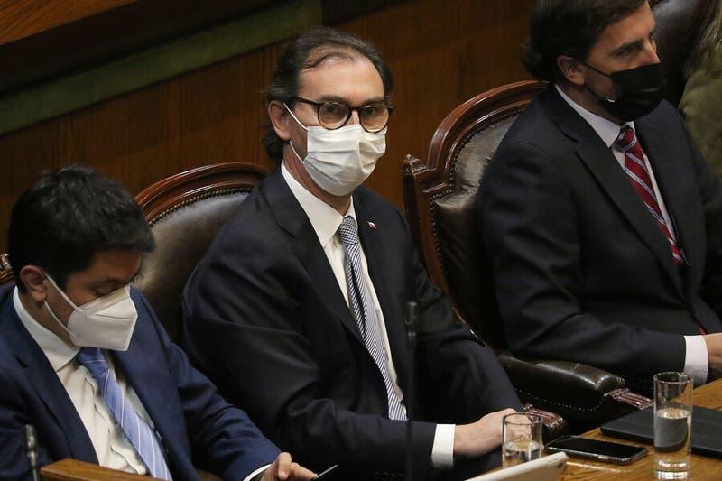 Cámara de Diputados rechaza acusación constitucional contra Raúl Figueroa