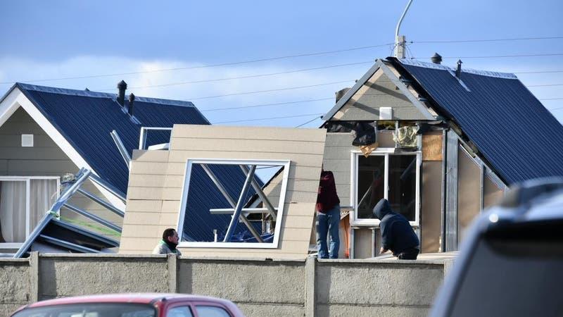 [VIDEO] Vientos huracanados provocan estragos en Magallanes: Se esperan rachas de hasta 120 km/h
