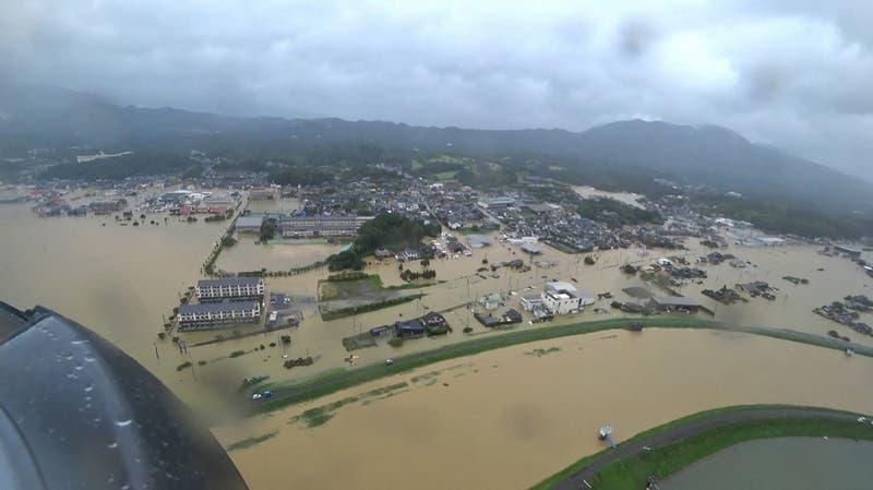 Lluvias torrenciales causan inundaciones y desprendimientos de tierra en Japón