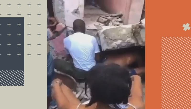 [VIDEO] Emotivo rescate de una madre y su hijo de los escombros tras el terremoto en Haití