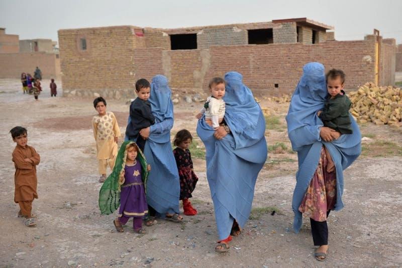 """Talibanes prometen perdón general y respetar a las mujeres según """"principios del islam"""""""