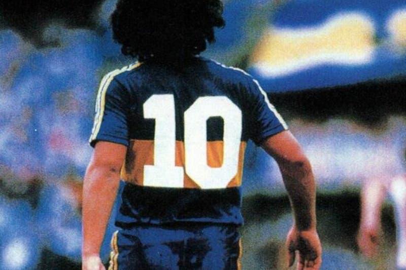 """Regalan camisetas de Boca Juniors a los """"Diego Armando"""" nacidos en 1981 en homenaje a Maradona"""