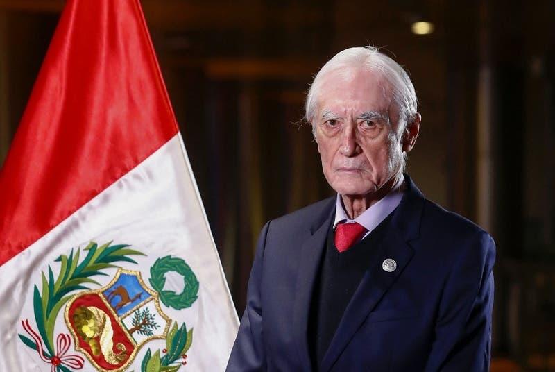 Renuncia el nuevo Canciller de Perú a solo 19 días de haber asumido