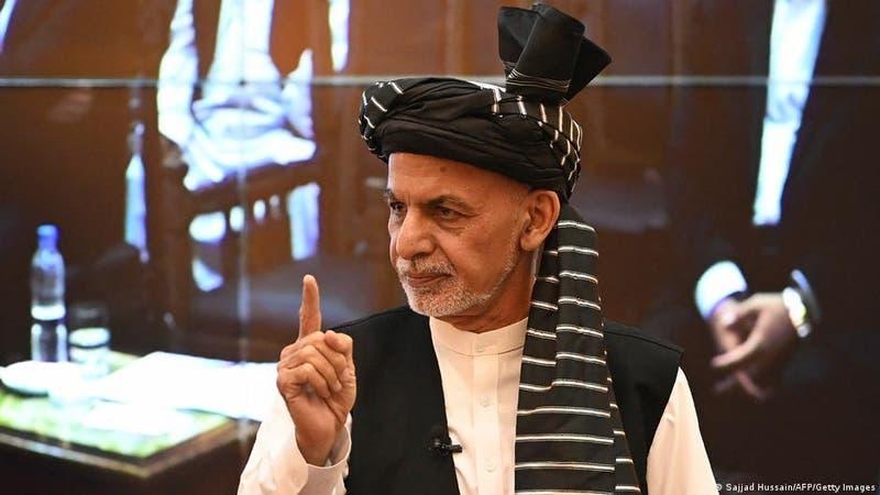 El depuesto presidente afgano Ashraf Ghani se refugió en Emiratos Árabes