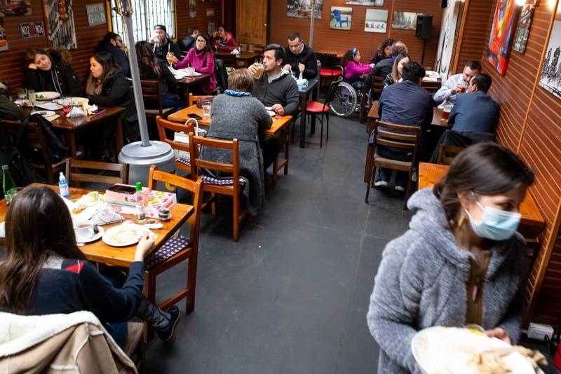 Ley de alcoholes: Presentan proyecto para despejar dudas sobre ingreso de menores a restoranes