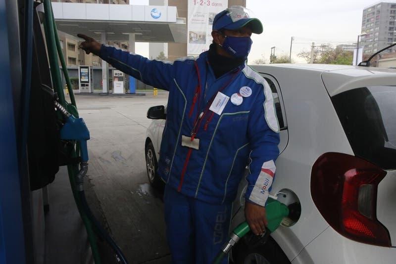Precio de las bencinas tendrán una leve baja este jueves