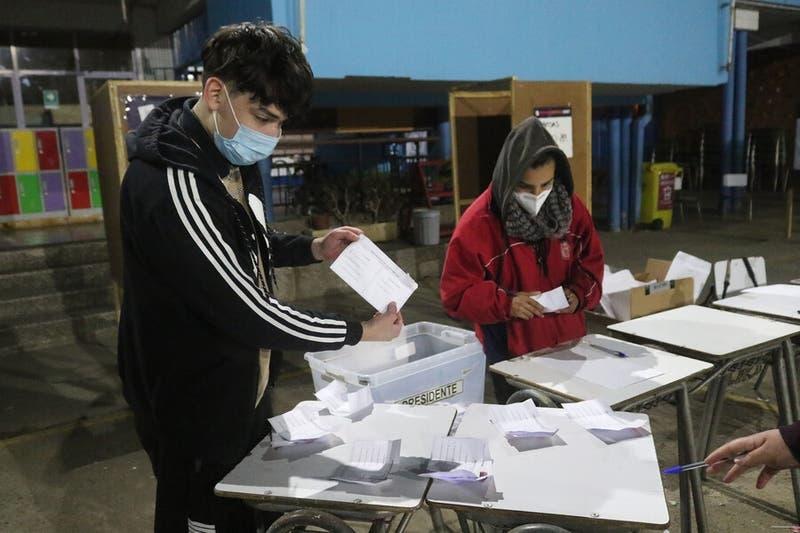 PRO y Ciudadanos: Cuáles son los partidos con más denuncias de afiliación involuntaria en el Servel