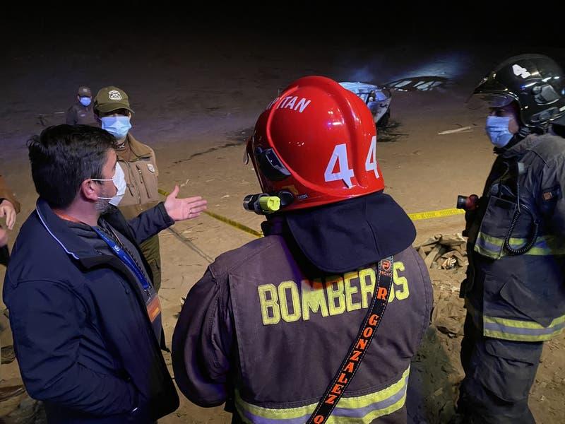 Investigan hallazgo de dos cuerpos calcinados al interior de auto en Arica