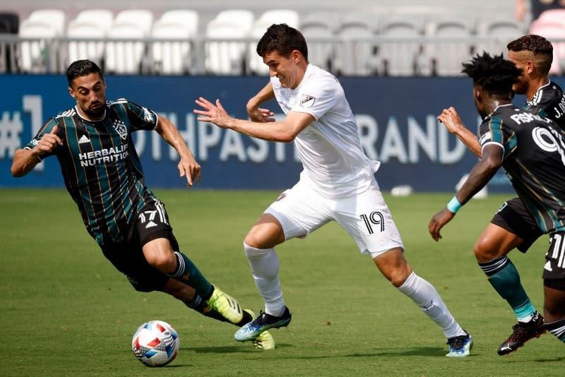 Robbie Robinson: el chileno-estadounidense que la rompe en MLS y podría seguir a Brereton en La Roja