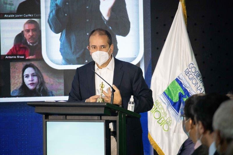Gobernador del Biobío carga contra el ministro Delgado y pide su renuncia tras ataque en Tirúa