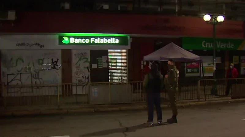 [VIDEO] Seis detenidos tras intento de robo a sucursal bancaria en San Bernardo