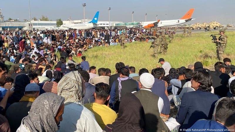 La OTAN mantendrá tropas en aeropuerto de Kabul mientras dure la evacuación