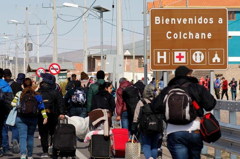 Detienen a 9 integrantes de banda que ingresaba migrantes ilegales desde Bolivia  Chile