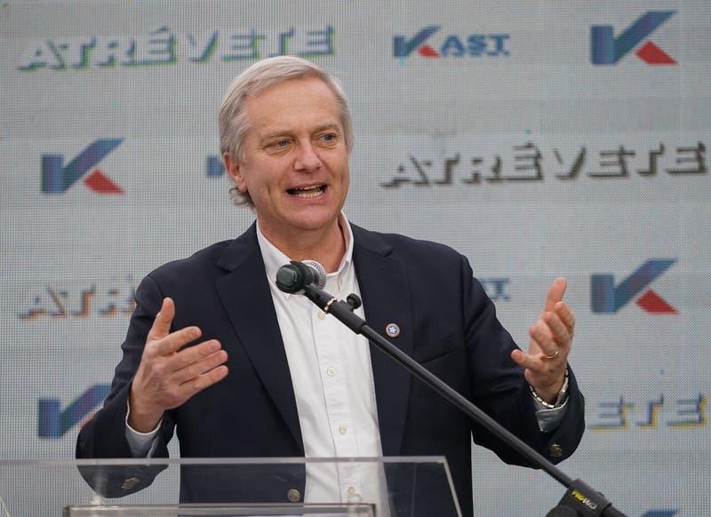 """Kast lanza su campaña presidencial: """"Si salgo electo me voy a rebajar el sueldo a la mitad"""""""