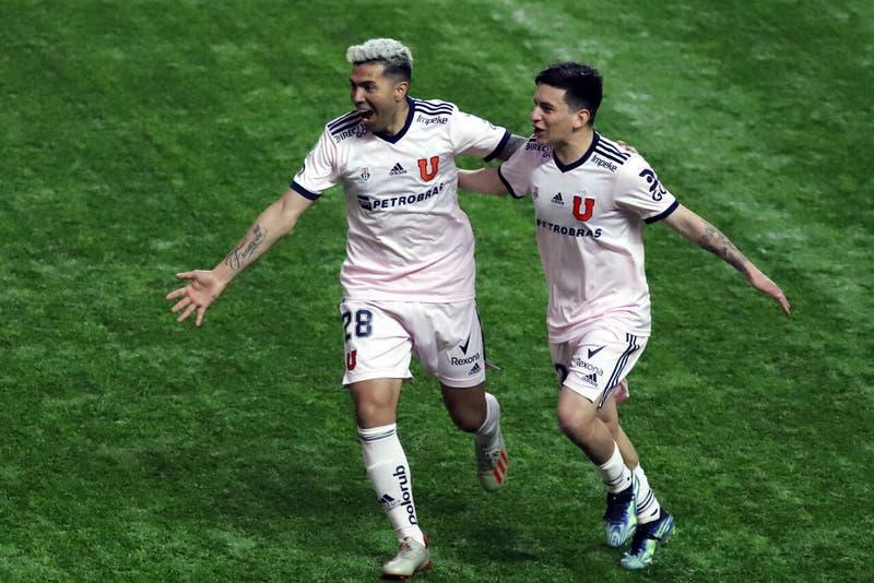 """La """"U"""" goleó a Unión La Calera de visitante y deja a Colo Colo como líder exclusivo del torneo"""