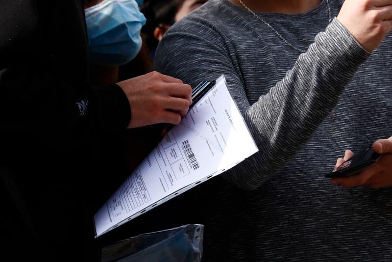Este lunes termina plazo para inscribirse y rendir la Prueba de Transición: revisa horario de cierre