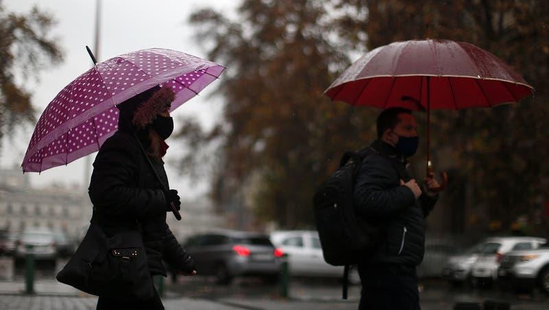 ¿Llueve este martes en Santiago?: revisa dónde y a qué hora comenzarán las precipitaciones
