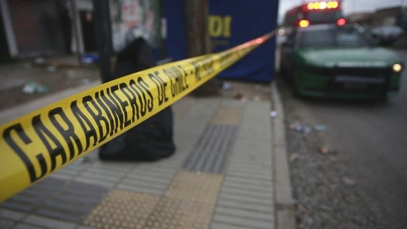 Sujeto ataca con un hacha a un trabajador en servicentro de Lo Barnechea