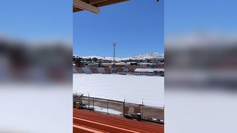 [VIDEO] Un desierto blanco: Revelan el efecto de las nevadas en el Estadio El Cobre de El Salvador