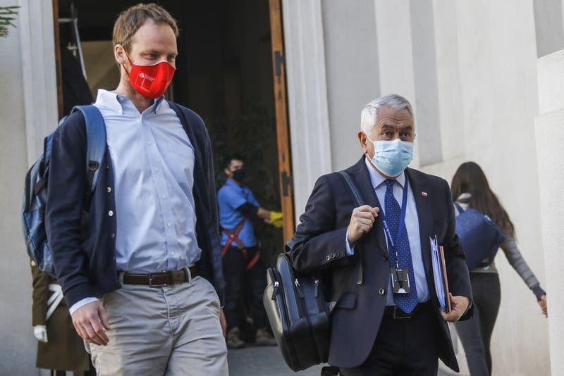 """Arturo Zúñiga: """"Si hubiese un ministro Paris en Reino Unido, Ben Brereton ya estaría en Chile"""""""