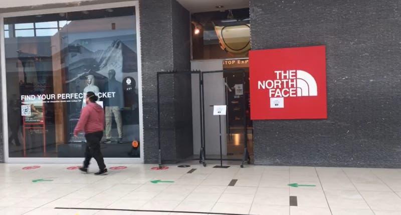 Investigan violento robo en tienda de centro comercial en Concepción