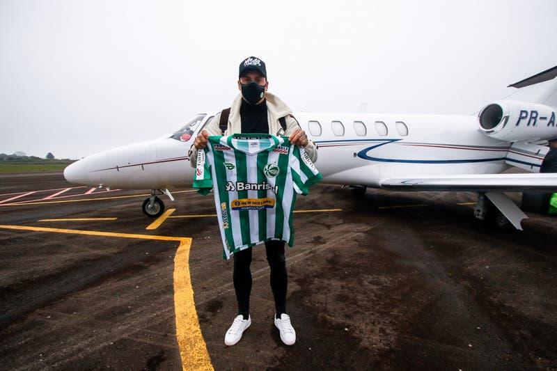 Nicolás Castillo continuará su carrera en Brasil y se incorpora al recién ascendido Juventude