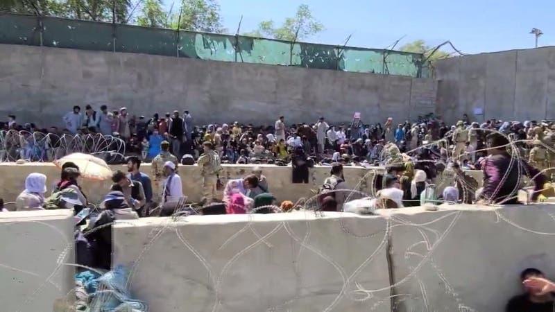 Cerca de100 muertos en doble atentado en Aeropuerto de Kabul
