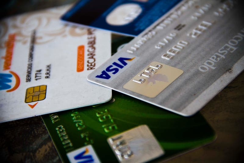 Retail financiero aplaude veto del Gobierno que prohíbe descuentos extras con tarjetas de crédito