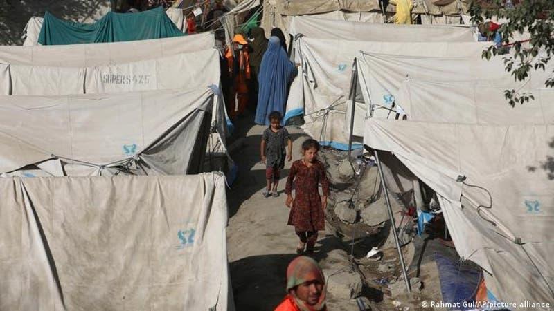 ONU espera medio millón de refugiados afganos adicionales tras llegada de los talibanes