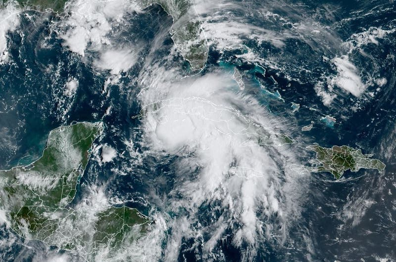 Ciclón Ida se convierte en huracán al acercase a Cuba según servicios meteorológicos de EE.UU.