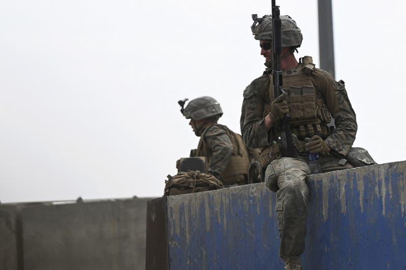 Ejército estadounidense detruyó aviones y vehículos blindados antes de dejar Kabul